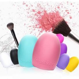 BrushEgg proizvod za čišćenje make up četkica bez muke