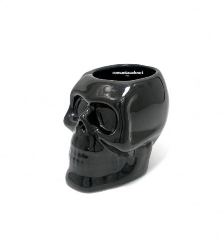 craniu negru