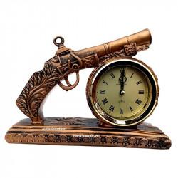 Pistol din rasina cu ceas