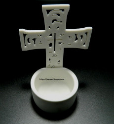 Candela tip cruce din ceramica