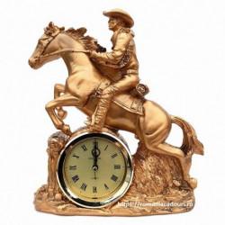 Cowboy calare cu ceas din rasina