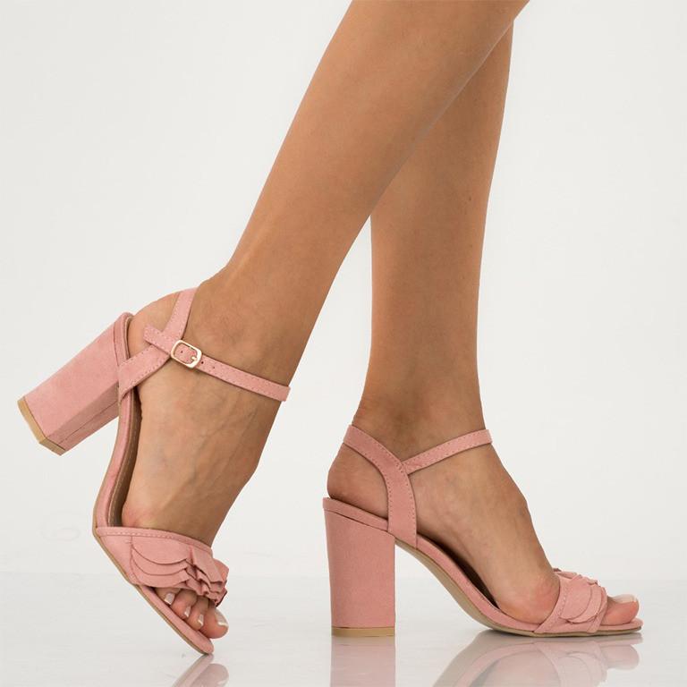 Sandale - noile tendinte 2020