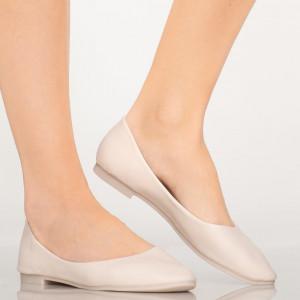 Bézs színű alkalmi pár cipő