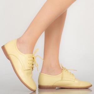 Égj sárga alkalmi cipőt