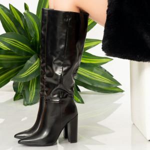 Γυναικείες μπότες Black Byp