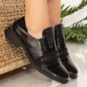 Fekete fiú cipő