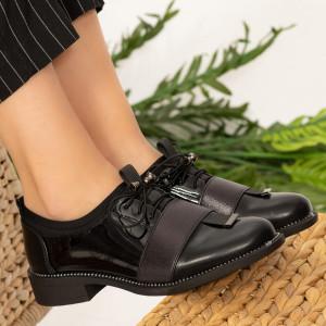 Ote fekete női cipő