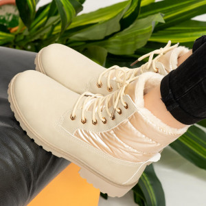 Μπεζ μπότες γούνας