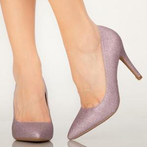 Разбира се лилави дамски обувки