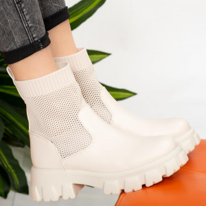 Lady Godu white boots