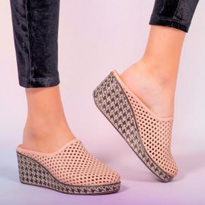 Papuci piele naturala Merco roz