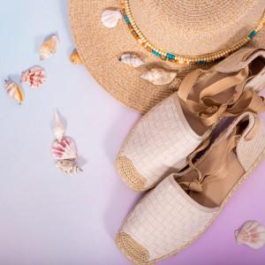 Бели дамски сандали Heri