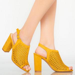 Yara hölgy szandál sárga