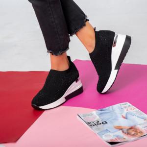Fekete Leco női platform