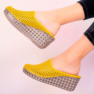 Papuci piele naturala Merco galbeni