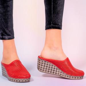 Papuci piele naturala Merco rosii