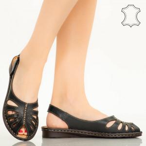 Черни сандали от естествена кожа Lya