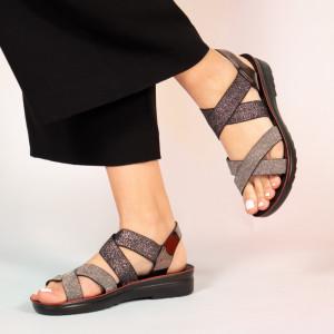 Sandals lady Paki gun