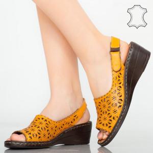 Természetes bőr platformok sárga cuf