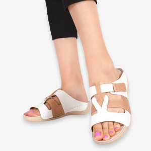 Бели дамски чехли Azo