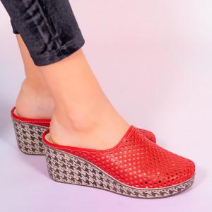 Червени чехли от естествена кожа Merco