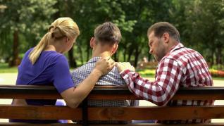 Tinerețe fără acnee și viață fară griji