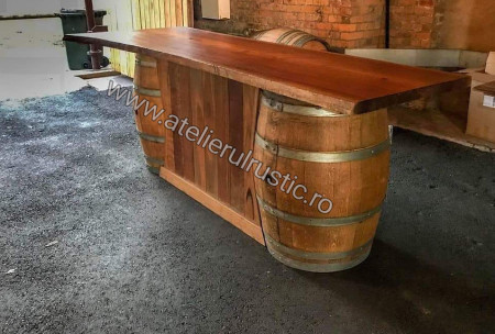 Tejghea  bar din  lemn  masiv