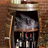 Bar din butoi cu raft pentru sticle si pahare