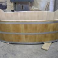 Cada din lemn ovală pentru baie