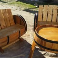 Set 2 bancute + masa lemn masiv