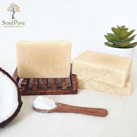 Creamy coconut milk soap with kaolin clay
