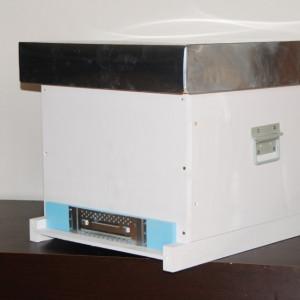 Stupul CUBOBOX fund plin inclinat, cuib 10 rame 1/1, podisor ,