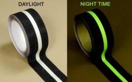 Banda adeziva antiderapanta cu insertie fotoluminescenta HI BOND HAS 945