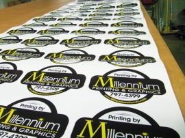 Eticheta personalizata cu logo sau text la alegere ovale sau dreptunghiulare - 100buc/set
