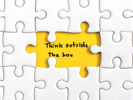 Tablou motivational - Think outside the box puzzle
