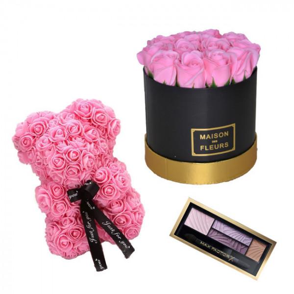 Set Cadou Aranjament floral cutie rotunda neagra cu trandafiri roz de sapun, Ursulet floral Roz 25cm si Paleta fard
