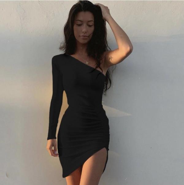 Rochie scurta de petrecere Carina neagra cu un umar gol