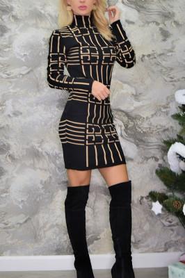 Rochie pulover neagra cu model geometric crem