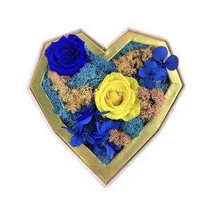 Aranjament Floral Special cu flori criogenate pe pat de muschi cret si licheni naturali stabilizati