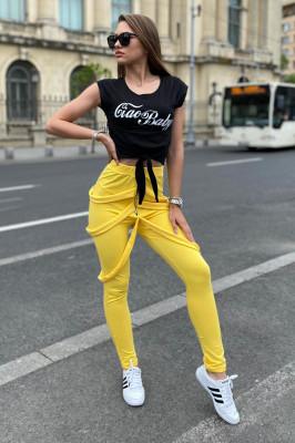 Compleu Gemina pantaloni cu bretele si tricou galben-negru