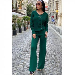 Compleu verde dama tricotat cu bluza petrecuta si pantalon evazat
