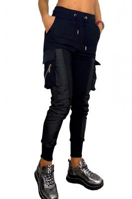 Pantaloni sport Jamila