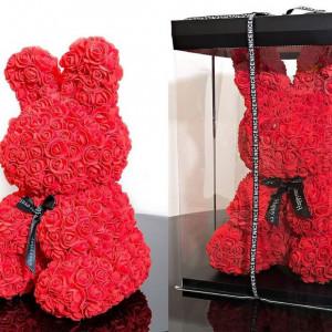 Iepuras floral 40cm decorat manual cu trandafiri spuma, in cutie cu funda