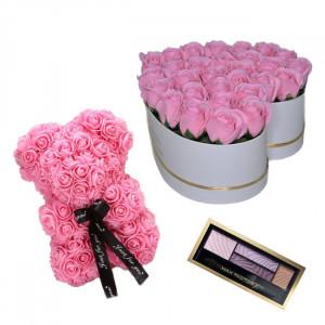 Set Cadou Aranjament floral cutie inima alba cu trandafiri rozde sapun, Ursulet floral Roz 25cm si Paleta fard