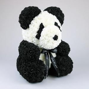 Ursulet floral Panda din trandafiri spuma, cutie cadou