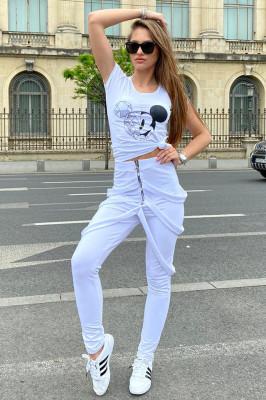 Compleu Gemina pantaloni cu bretele si tricou alb