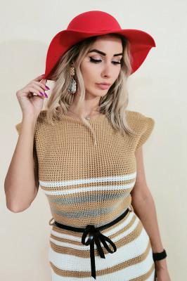 Rochie tricotata Lolla crem cu dungi albe si gri, maneci scurte