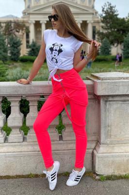 Compleu Gemina pantaloni cu bretele si tricou roz-alb