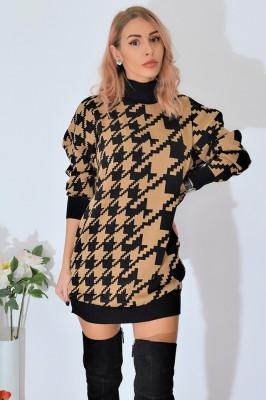 Pulover oversized in carouri tricotat, maro