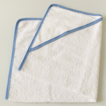 Prosop de baie bebe, cu gluga, alb/bleu, 80*90 cm, potrivit pentru brodat